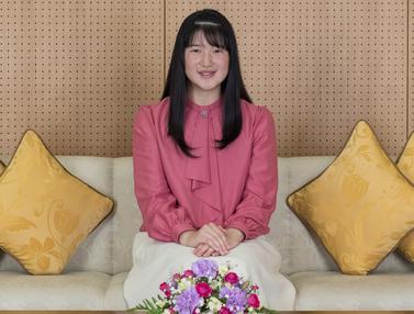 Senyum Putri Aiko yang Berulang Tahun ke-18