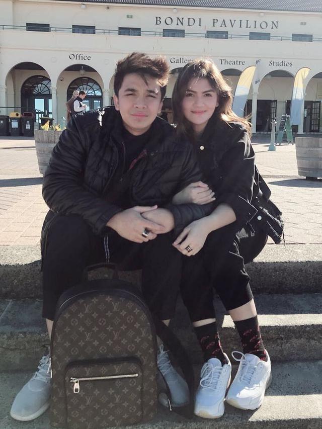[Bintang] Billy Syahputra dan Hilda Vitra