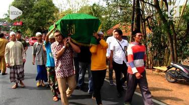 Suasana duka menyelimuti keluarga saat menerima jenazah Niar Sugiono, salah satu korban meninggal jatuhnya pesawat Lion Air JT 610.
