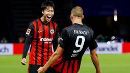 1. Daichi Kamada (Eintracht Frankfurt) - Pemain asal Jepang ini tampil mengesankan di Liga Eropa bersama Eintracht Frankfurt. Begitu pun penampilannya di Bundesliga, ia juga mencetak 10 assist. Gelandang berusia 24 tahun ini memiliki bandrol 14,4 juta poundsterling atau setara Rp280 miliar. (AFP/Odd