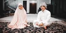 Hari pernikahan Atta Halilintar dan Aurel Hermansyah tinggal menghitung hari. Semula berencana menikah di GBK, Senayan, Jakarta, namun nampaknya rung dilakukan mengingat masih pandemi.  (Instagram/attahalilintar)