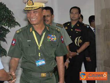 Citizen6, Jakarta: Kasum TNI Marsdya TNI Edy Harjoko, menerima kunjungan Asisten Intelijen Angkatan Bersenjata ASEAN di Mabes TNI Cilangkap, Jakarta, Selasa (29/3). (Pengirim: Badarudin Bakri Badar)