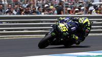Valentino Rossi saat balapan di MotoGP Jerez. (AP Photo/Miguel Morenatti)