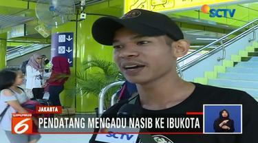 Menurut Rizki sebagai ibu kota negara, Jakarta memiliki peluang lebih besar untuk mendapat pekerjaan dibanding kota asalnya di Bandung, Jawa Barat.