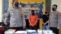 Kapolres Bone Bolango AKBP. Suka Irawanto merilis kasus penjambretan (Liputan6.com/Arfandi Ibrahim)
