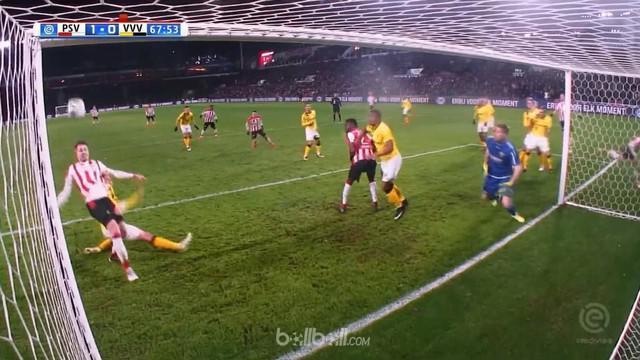 Mantan pemain Chelsea dan AC Milan, Marco van Ginkel mencetak gol dan membantu PSV bungkam VVV-Venlo. This video is presented by Ballball.