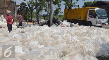 20160106-Daur-Ulang-Sampah-Plastik-Jawa-Tengah-Gholib