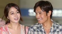 Lee Min Jung dan suaminya, Lee Byung Hun. foto: wowkeren