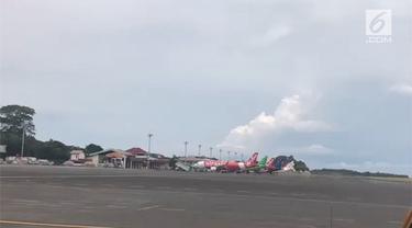 Status Gunung Agung yang ditingkatkan menjad awas membuat bandara Ngurah Rai Bali ditutup.