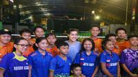Carolina Marin membagikan ilmunya kepada pebulutangkis muda Indonesia di Foundry 8, Jakarta, Minggu (11/6/2017).