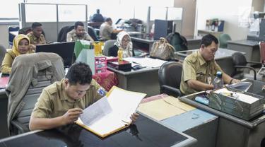 Hari Pertama Masuk, PNS DKI Jakarta Langsung Aktif Bekerja