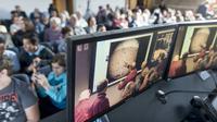 Siaran langsung tentang pendaratan wahana InSight di Planet Mars disambut dengan antusias (AP/James Quigg)