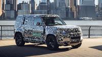 Penampakan Land Rover Defender terbaru. (slashgear)