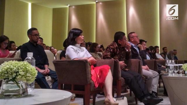 Gubernur DKI Jakarta Djarot Saiful Hidayat menghadiri peluncuran buku Ahok di Mata Mereka yang digelar di Hotel Pullman, Jakarta Pusat.