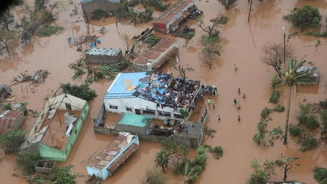 Hantaman badai siklon menyebabkan banjir di banyak wilayah di Mozambik (AFP Photo)