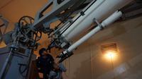 Observatorium Bosscha melaksanakan kegiatan pengabdian masyarakat, baik dalam bentuk kegiatan rutin maupun kegiatan yang sifatnya insidental. (Huyogo Simbolon)