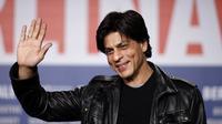 Shahrukh Khan dengan tampilan yang simple (sumber. youthconnect.in)