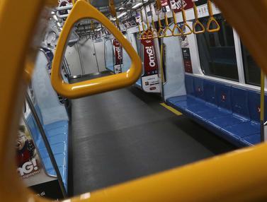 FOTO: Mulai Besok, Pemprov DKI Batasi Jam Operasional MRT