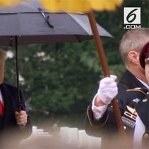 Donald Trump membatalkan kunjungannya ke makam prajurit AS di Perancis karena hujan.