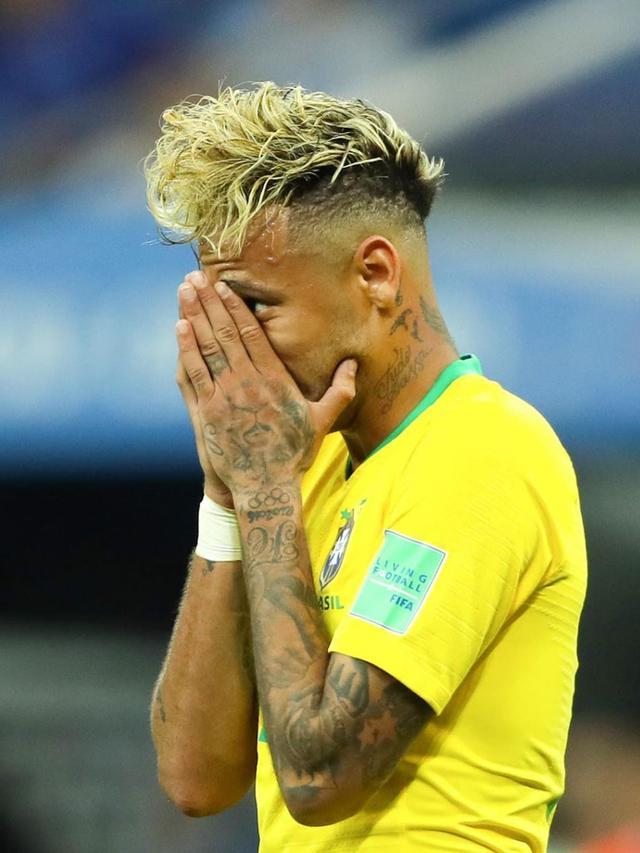 7 Gaya Rambut Neymar Jr Ini Mencuri Perhatian Dari Gimbal Hingga Berwarna Nyeleneh Dunia Bola Com