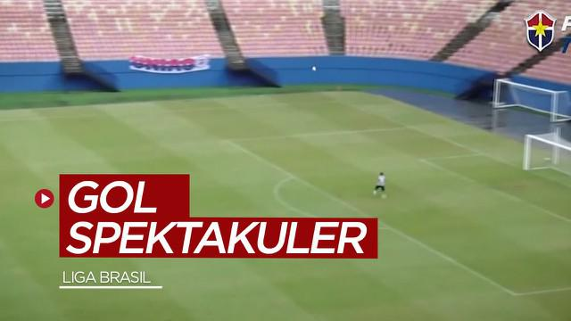Berita video pemain dari Liga Brasil mencetak gol spektakuler dari jarak kurang lebih 70 meter setelah sebelumnya melakukan nutmeg. Seperti apa golnya?
