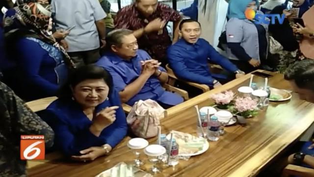 Agus Harimurti Yudhoyono kritisi pemerintah soal guru honorer yang tak bisa jadi PNS karena pembatasan umur.