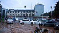 Banjir di Mihe, Kota Gongyi, Provinsi Henan, China tengah. (Xinhua/Li Jianan)
