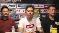 Event Director Indoclub Championship, Deny Wajonk (tengah) saat memberikan keterangan (istimewa)
