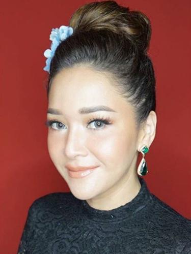 Cantiknya Maia Estianty dengan Polesan Makeup Natural