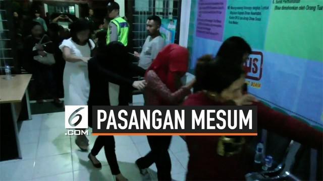 Dinas Sosial dan petugas gabungan melakukan razia di sejumlah hotel kelas melati yang diduga sering digunakan untuk praktik asusila di Medan, Sumatera Utara.