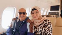 Maia Estianty bersama Irwan Mussry menunaikan ibadah umrah ke Tanah Suci (Dok.Instagram/@maiaestiantyreal/https://www.instagram.com/p/B23FF4uHk3c/Komarudin)
