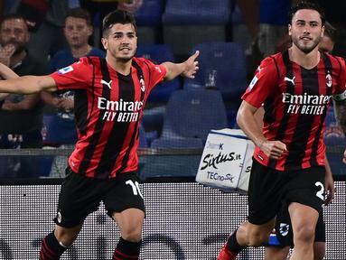 AC Milan bermain menyerang dari menit awal dimulainya babak pertama. Hasilnya Brahim Diaz mampu mencetak gol ketika laga baru berjalan sembilan menit. Diaz sukses mengkonversi umpan tarik Davide Calabria menjadi tembakan keras. AC Milan unggul 1-0. (Foto: AFP/Miguel Medina)