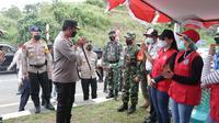 Dalam perjalanan menuju Bitung, Kapolda dan rombongan juga mengecek salah satu Pos Pengamanan Polres Minahasa Utara
