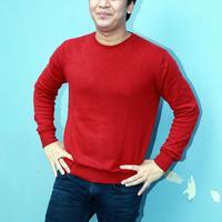 Belakangan beredar kabar bahwa hubungan asmara Syahnaz Sadiqah dan Juan Christian berakhir. Billy Syahputra ikut bicara dengan kabar itu. (Deki Prayoga/Bintang.com)