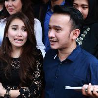 Ayu Ting Ting dan Ruben Onsu. (Wimbarsana/Bintang.com)