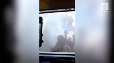 Sebuah ledakan terjadi di terminal bus New York. Seorang pria telah ditetapkan polisi sebagai tersangka tunggal.