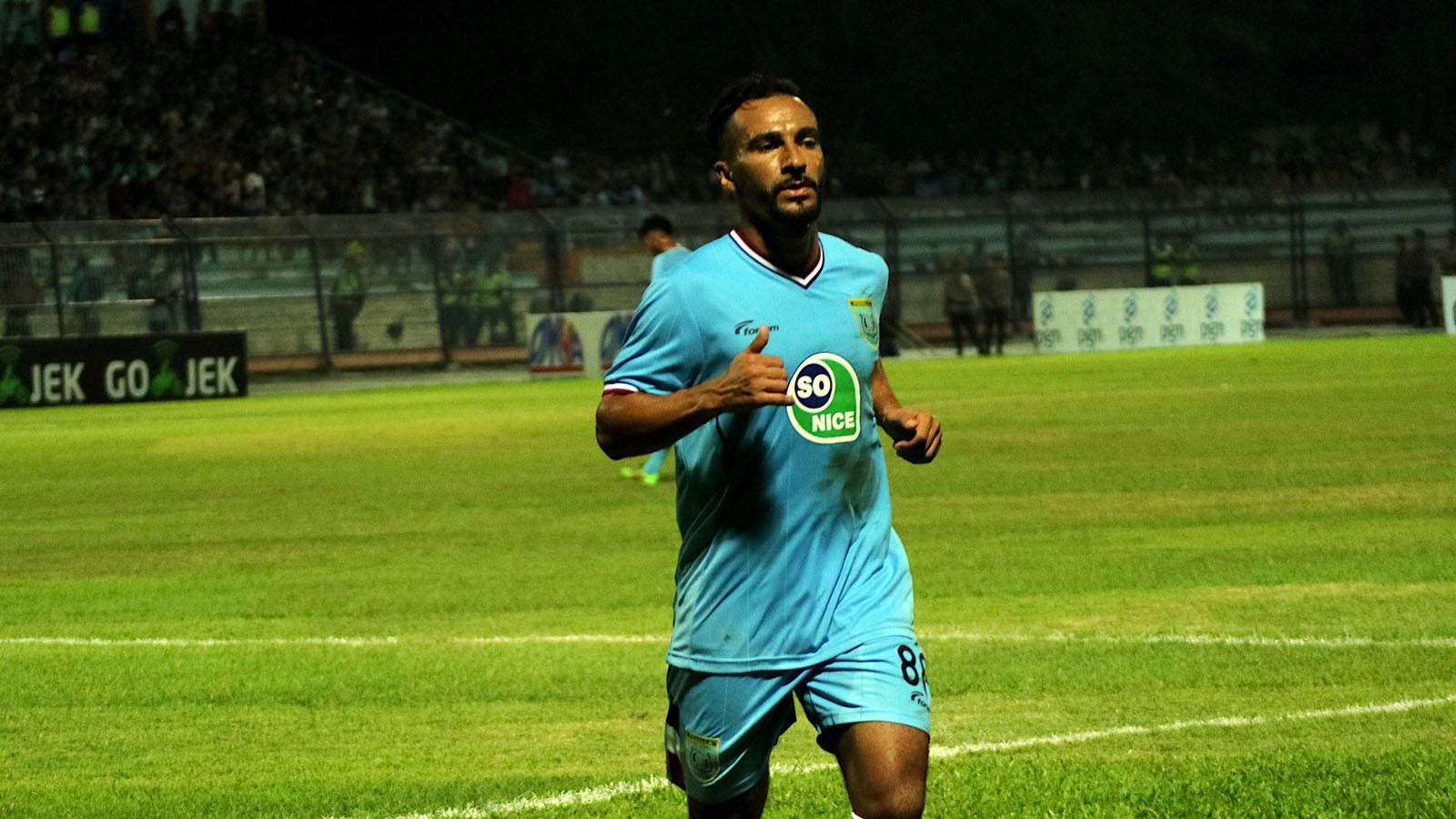 Diego Assis, gelandang serang Persela di Liga 1 2018. (Bola.com/Aditya Wany)