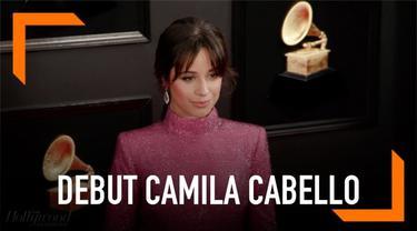 Camila Cabello akan memulai debut aktingnya di film Cinderella. Penyanyi Havana itu akan diproduseri oleh James Corden.