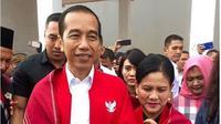 Jaket merah Garuda Jokowi. (dok.Instagram @jokowi/https://www.instagram.com/p/B0hs67CB6z3/Henry