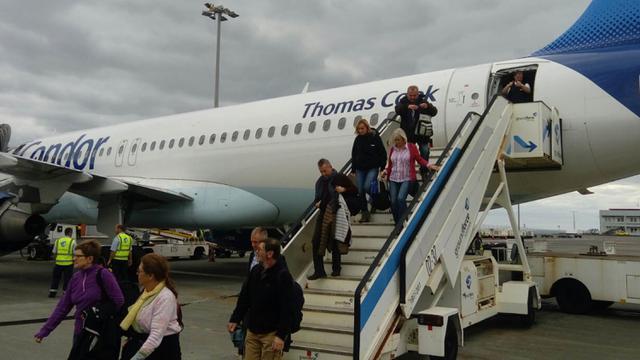 FOTO: Bandara Madeira, Pintu Gerbang Kampung Cristiano Ronaldo