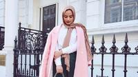 Buat kamu pemakai hijab, dapatkan inspirasi tren berbusana yang stunning dari 3 model ini. (Sumber foto: rubazai/instagram)