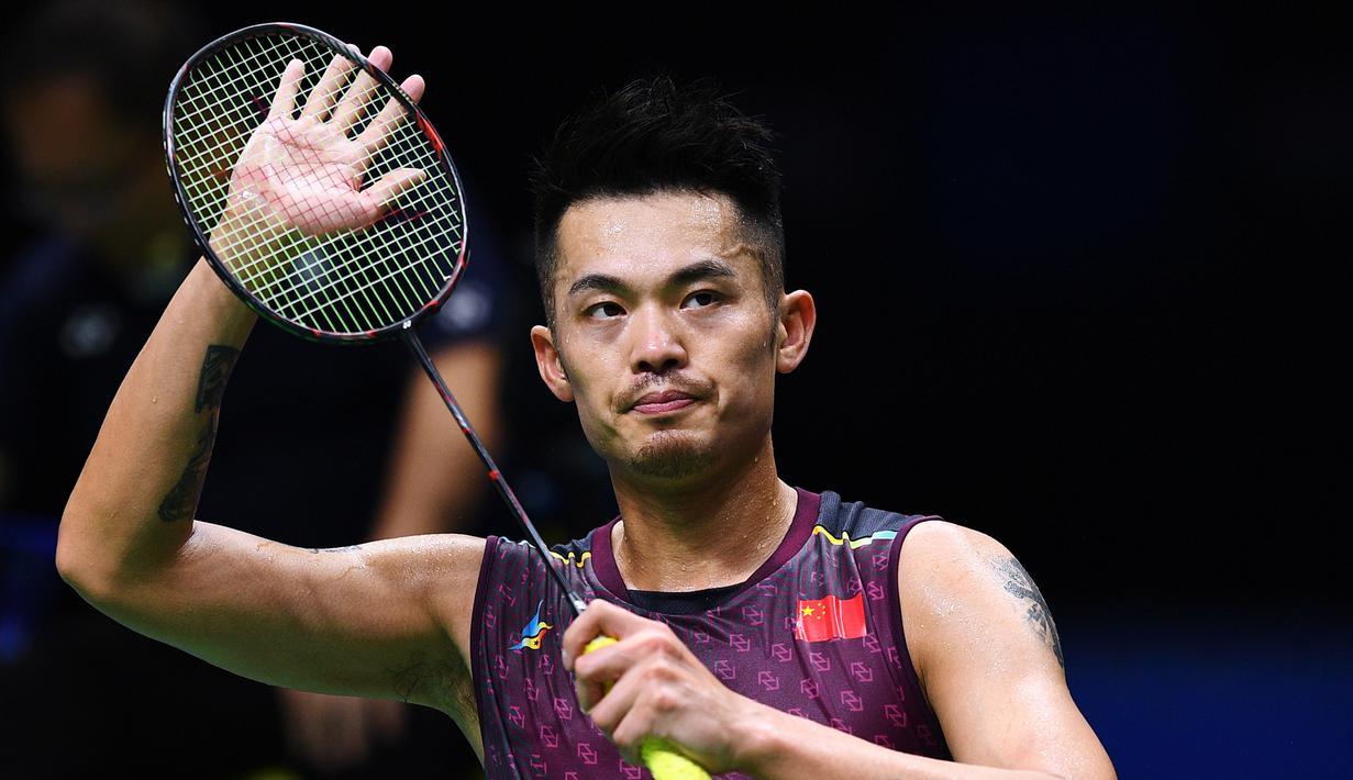Lin Dan bereaksi setelah mengalahkan Sameer Verma dalam dalam kejuaraan bulu tangkis World Championships di Nanjing, Provinsi Jiangsu, China, 1 Agustus 2018. Lin Dan mengumumkan pensiun sebagai pebulu tangkis. (Johannes EISELE/AFP)