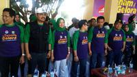 Wakil Gubernur Jawa Timur, Saifullah Yusuf (kedua dari kiri), saat mengikuti acara Senam Gelora di Sidoarjo, Minggu (17/9/2017). (Liputan6.com/Dian Kurniawan)
