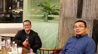 Ketua IMI, Sadikin Aksa (kanan), dan Ketua Mandalika Racing Team Indonesia, Rapsel Ali. (Humas Mandalika Racing Team Indonesia)