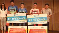 Tontowi Ahmad, Liliyana Natsir, dan Kevin Sanjaya Sukamuljo, mendapat bonus dari Djarum Foundation, Rabu (11/7/2018), sebagai apresiasi setelah menjuarai Indonesia Open 2018.