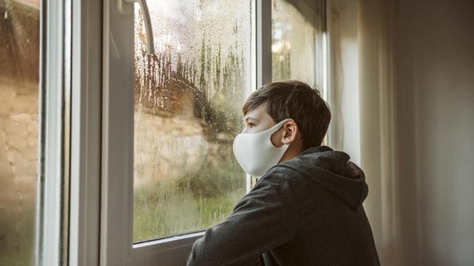 KINO KILAS NUSANTARA: Bocah 10 Tahun Isoman Sendiri Usai Kedua Orangtua Meninggal karena Covid-19 - Regional Liputan6.com