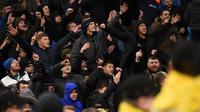 Suporter Manchester City Vs Manchester United tegang usai laga leg kedua semifinal Piala Liga Inggris di Etihad Stadium, Kamis (30/1/2020) dini hari WIB. (AFP/Oli Scarff)