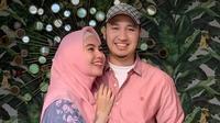 Kartika Putri dan suami (Instagram/kartikaputriworld)