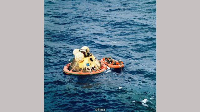 Para astronaut mendarat dengan aman di Samudra Pasifik (NASA)