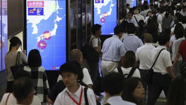 Topan Terbesar dalam 25 Tahun Hantam Jepang, Picu Perintah Evakuasi Warga